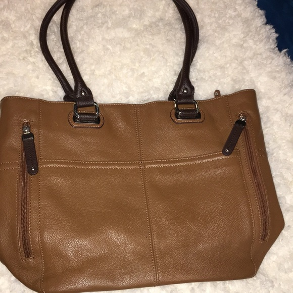b86bc9efa81a Tignanello Leather shoulder Bag in Excellent Cond.  M 5b99a7836a0bb778c70e054a